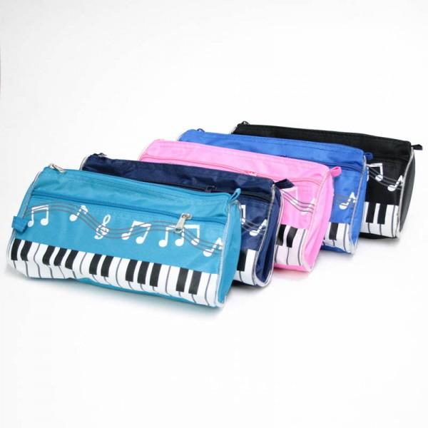 Estuche con diseño musical de notas y teclado. Disponible en 6 colores diferentes.