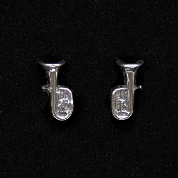 Pequeños y monos pendientes con forma de Tuba, para gustos discretos y elegantes. Fabricados en Plata de Ley.