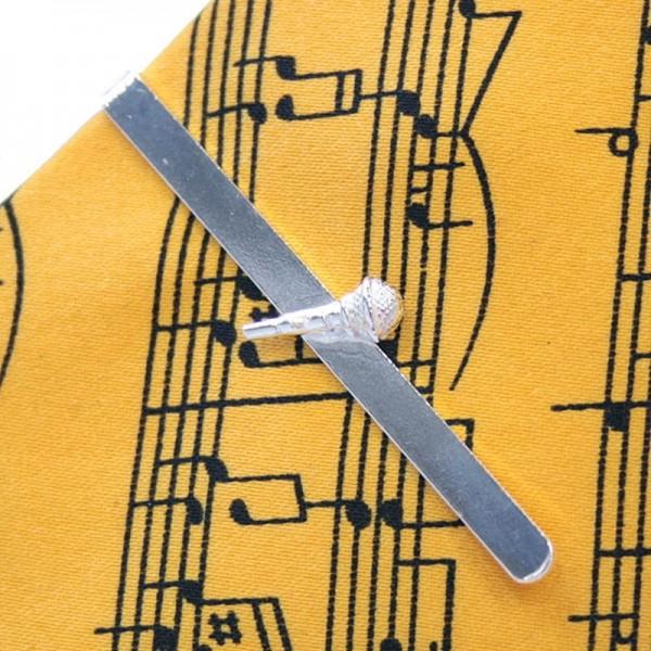 Pasador para aguantar la corbata con baño de plata de 10 micras y detalle de micrófono