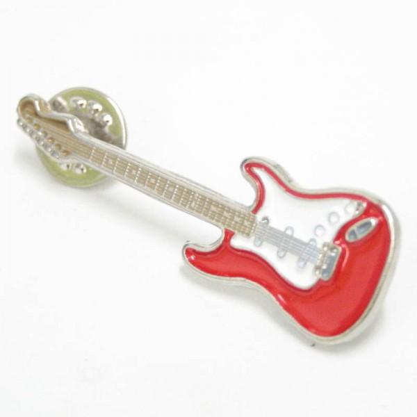 Pin metálico plateado con forma de guitarra eléctrica Stratocaster. Con 2 enganches mariposa.