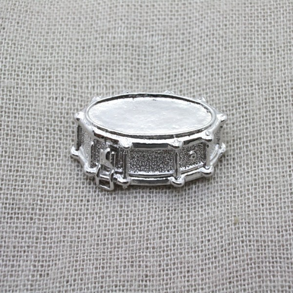 Pin en 3 dimensiones con forma de Caja de Batería