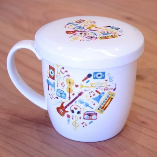Taza de cerámica con asa y tapa. 12 x 9 cm