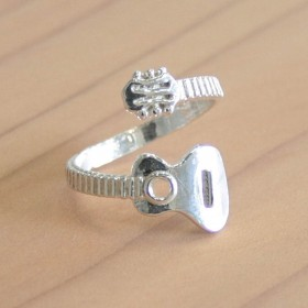 Classic Guitar Ring (Sterling Silver)
